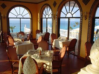 Cafe Coco at Coco Reef - Bermuda Holidays