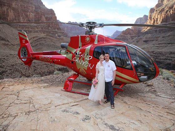 Wedding couple in the Grand Canyon