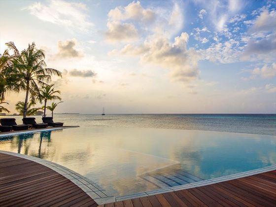 Sangu pool at Kuredu Island Resort