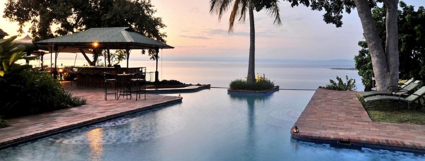 Bumi Hills Safari Lodge infinity pool