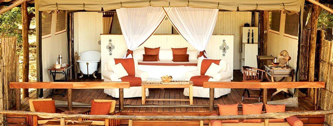 Tent VI interior