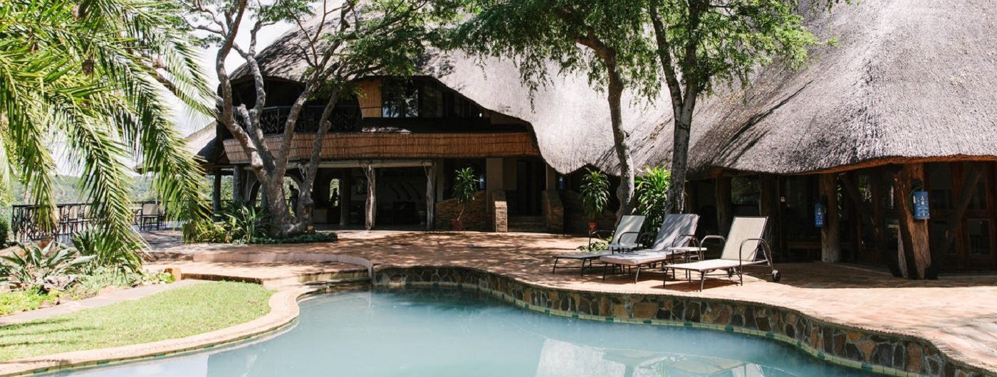 Chilo Gorge Safari Lodge main pool