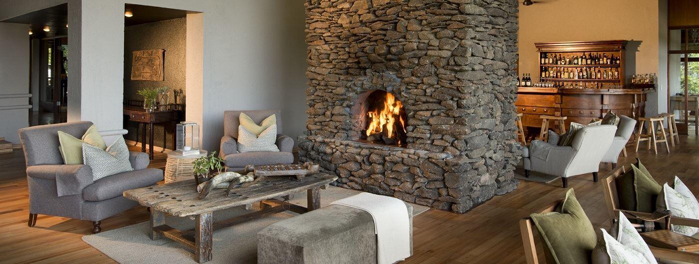 Lion Sands Narina Lodge lounge and bar