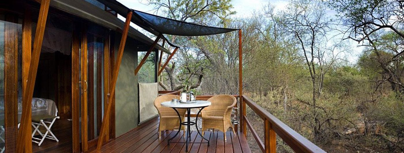 Private verandas at Mushara Outpost