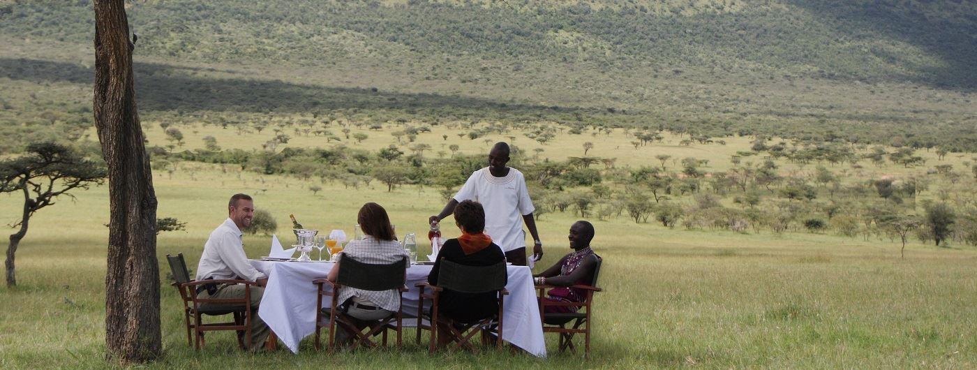 Olarro Lodge bush dining