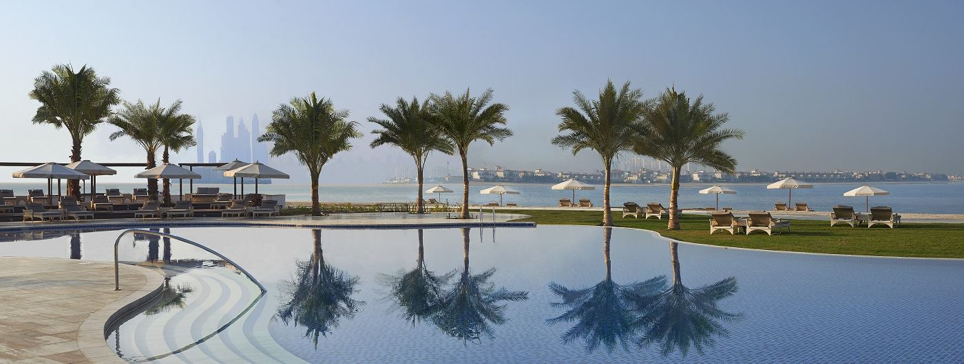 Waldorf Astoria Palm Jumeirah pool area