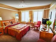 Deluxe King Guestroom - San Francisco Holidays