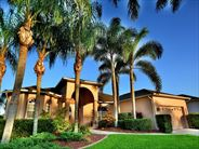 Exterior view of Fort Myers Area Pool Homes - USA Beach Holidays