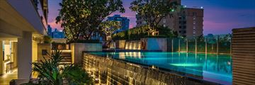 Akyra Thonglor Bangkok, Pool at Night