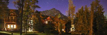 Buffalo Mountain Lodge, Exterior at Night