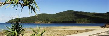 Deserted beach in the Whitsunday Islands