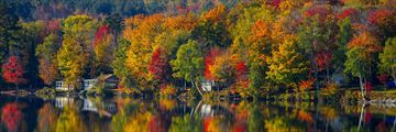 Falls colours around Elmore Lake, Vermont