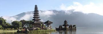 Hindu temple on Lake Bratan