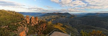 Lookout at Three Sisters, Blue Mountains