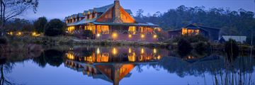 Peppers Cradle Mountain Lodge, Exterior at Night