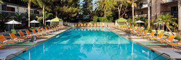 Sportsmen's Lodge Hotel, Pool