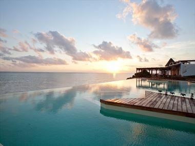 Essque Zalu Zanzibar infinity pool