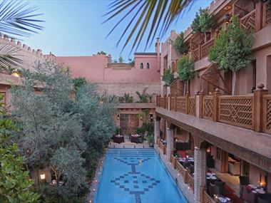 The pool and courtyard at Hotel La Maison Arabe