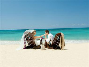 fc77aeec59b92 Sandals   Beaches Weddings - Plan A Wedding with Tropical Sky