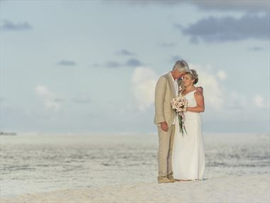 An idyllic Mauritius wedding and honeymoon for Susan & Kevin