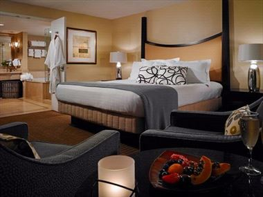 The Chattanoogan Guest Room