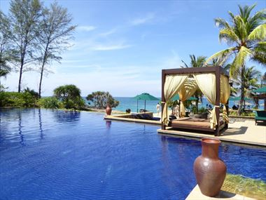 Nelayan Pool, Tajong Jara Resort