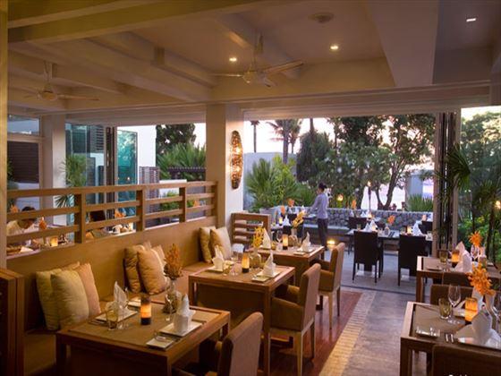 33Mu5 restaurant at Aleenta Phuket - Phang Nga Resort and Spa