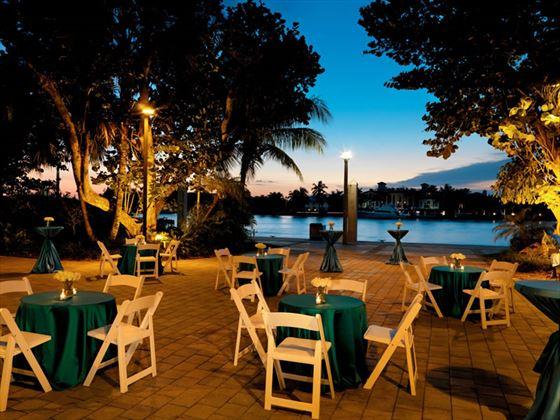 Bahia Mar Beach Resort, dining