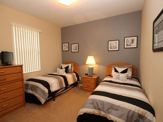 4 Calabay Parc twin room