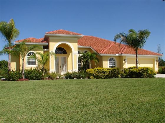 Example of a Cape Coral Area Home - Villa Exterior