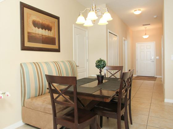 ChampionsGate Resort Townhomes dining area