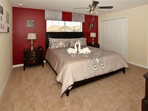 Example of a Disney Area Platinum Townhome Mater Bedroom