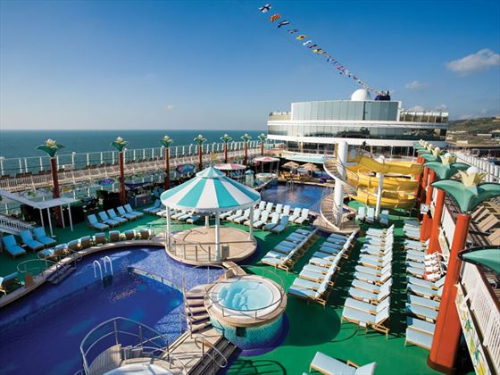 Norwegian Gem, pool