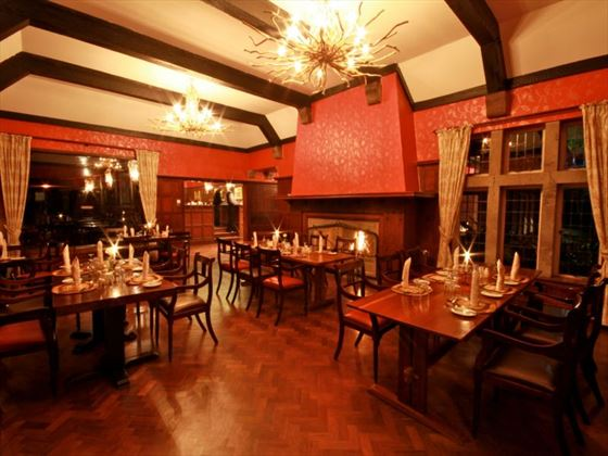 Aberdare Country Club dining room