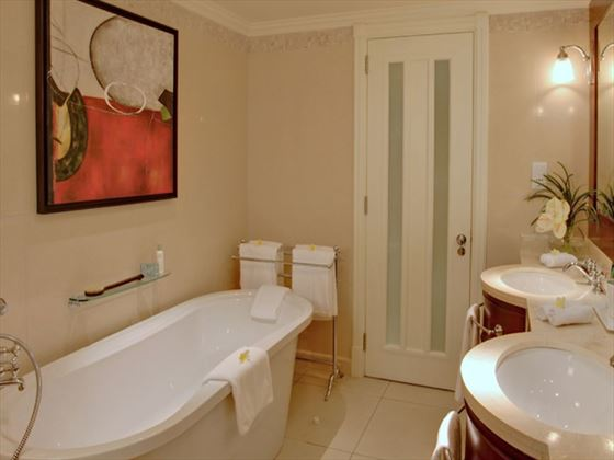 Ambre Resort & Spa bathroom