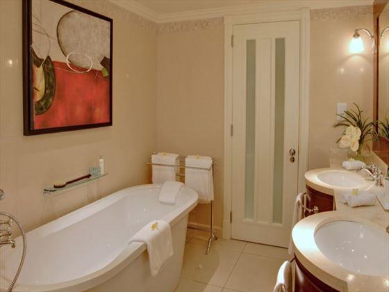 Ambre Resort & Spa bathroom