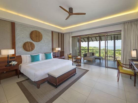 Dluxe Ocean View room at Anantara Kalutara