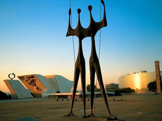 Artistic sculptures