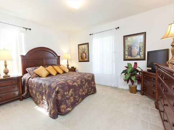 Typical bedroom of a Calabay Parc @ Tower Lakes Executive Plus Home