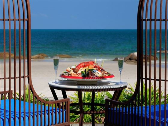 Centara Grand Beach Resort & Villas Hua Hin - Coast Beach Club & Bistro