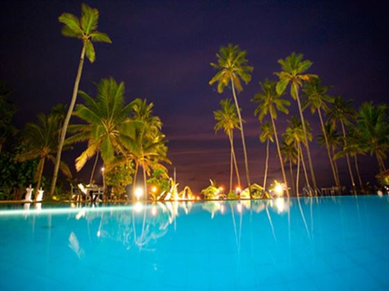 Club Hotel Dolphin swimming pool at night
