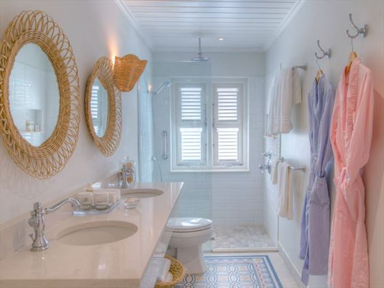 Cobblers Cove, Ocean Front Suite bathroom