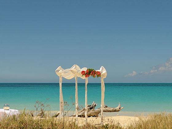Beautiful beach weddings at Cocobay Resort