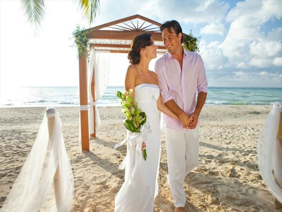 Stunning & stylish weddings at Couples Swept Away