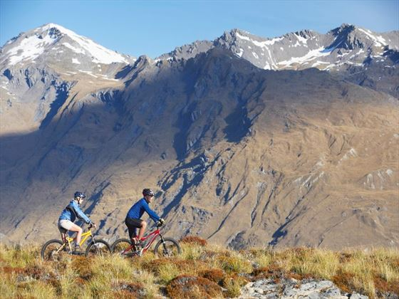 Cycling through New Zealand's mountain scenery