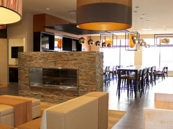 Delta Hotels by Marriott Saint John Restaurant and bar