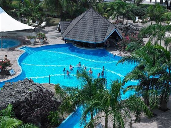 Diani Reef Beach Resort and Spa pool