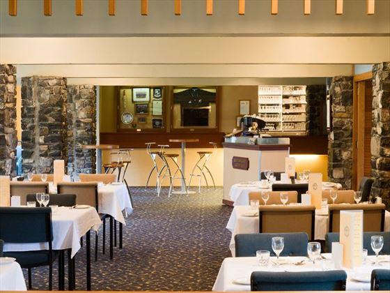 Dining at Heritage Dunedin Leisure Lodge