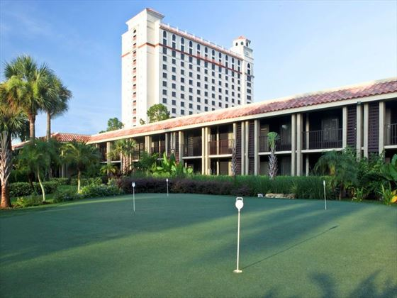 Doubletree by Hilton at SeaWorld putting green