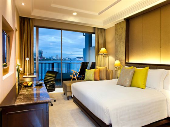 Dusit Thani Pattaya Club Room